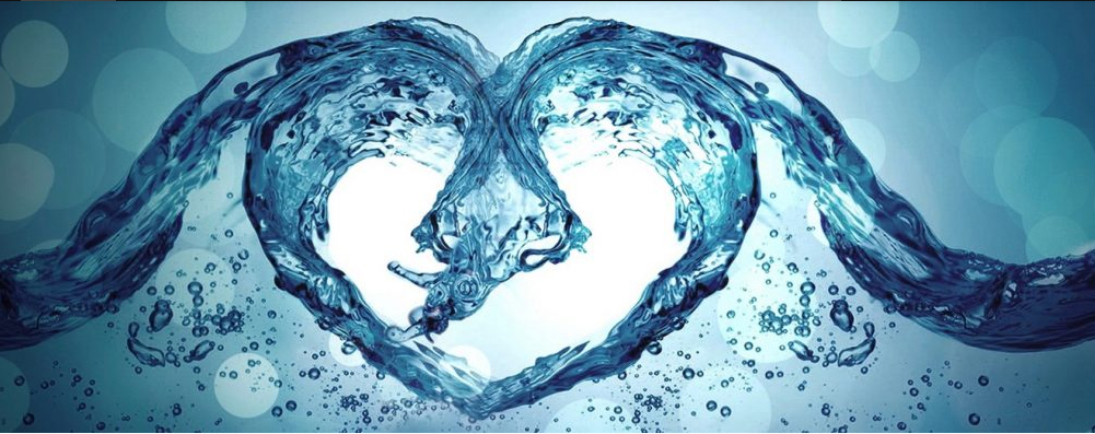 what does water around the heart mean